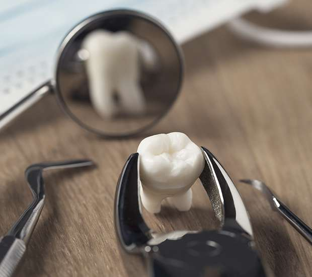 Houston When Is a Tooth Extraction Necessary